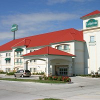 La-Quinta-Inn-and-Suites-NE-05