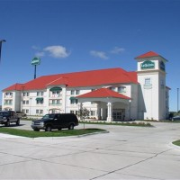La-Quinta-Inn-and-Suites-NE-06